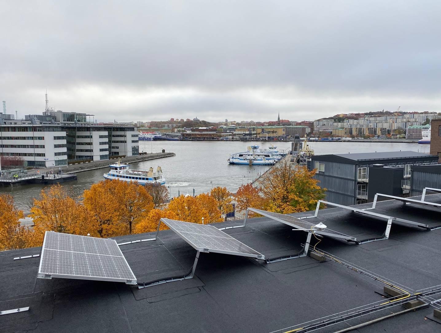 Bild på installerade solpaneler